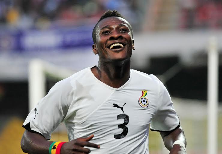 Sport : L'attaquant ghanéen Asamoah Gyan signe en Chine pour 350.000 Euros par semaine