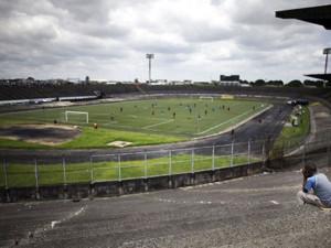 stade-reunification-douala