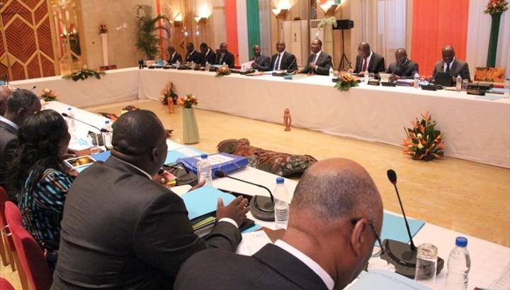 La Côte d'Ivoire veut améliorer la bancarisation grâce à l'épargne