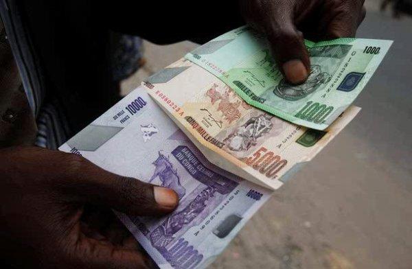 RDC: Le franc congolais en chute libre devant le dollar