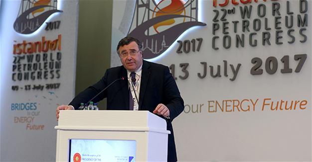 Le PDG de Total prévoit une baisse de la demande de pétrole entre 2040 et 2050