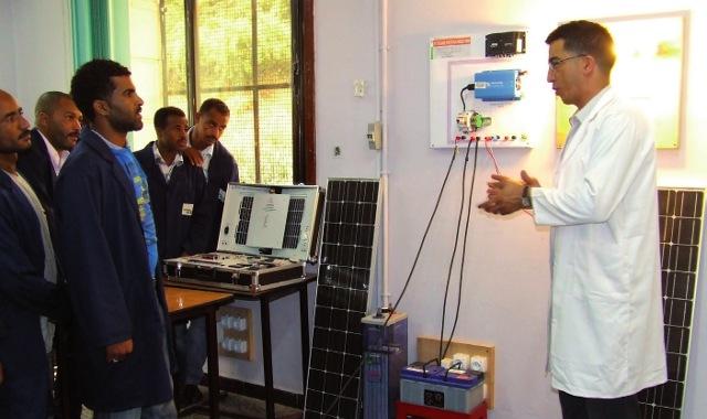 Une école de formation aux technologies des énergies renouvelables ouvrira en 2018 en Algérie