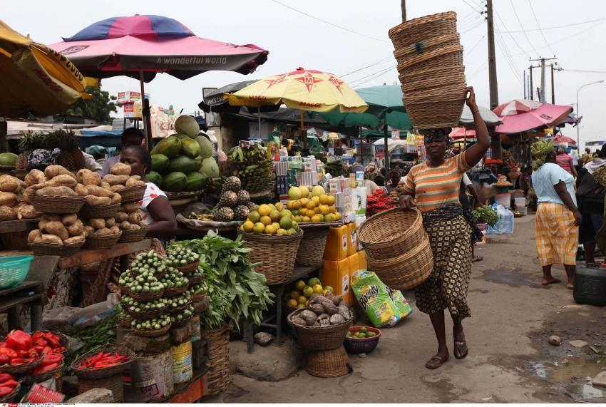Le président du Nigeria veut freiner les importations de produits agricoles