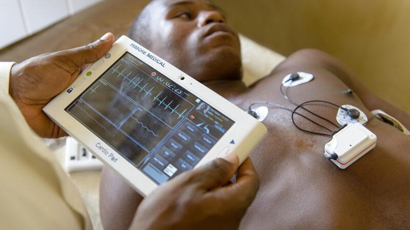 la Fondation Novartis et Microsoftsuggèrent à l'Afrique de mettre la technologie au service de la santé