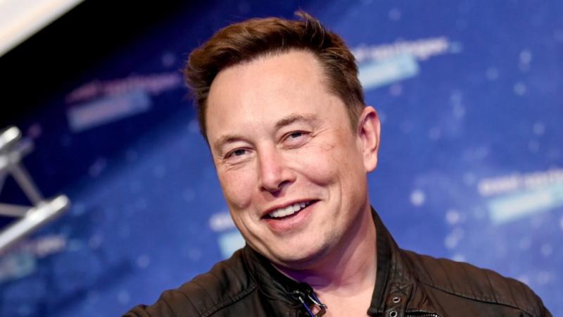L'Américain d'origine sud-africaine, Elon Musk, devient l'homme le plus riche au monde (Bloomberg)