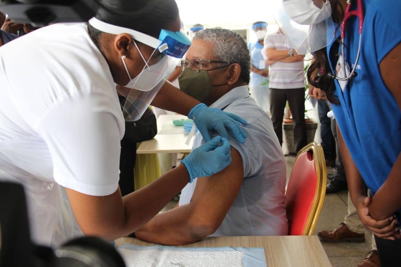 Covid-19: Début de la campagne de vaccination aux Seychelles