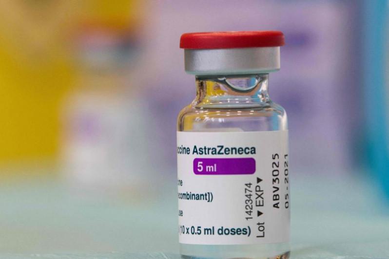 Covid-19: Le vaccin d'AstraZeneca, recommandé en urgence par l'OMS