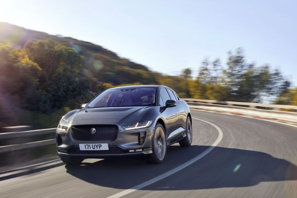 Jaguar, le constructeur automobile, fait une transition vers le tout-électrique