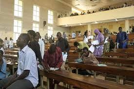 Les enseignants universitaires au Mali menacent d'entrer engrève