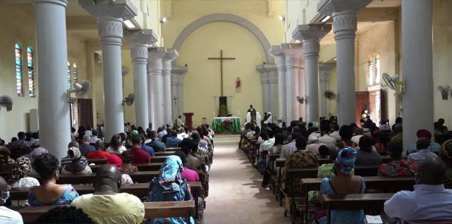 Mali: La grande «famille» de la religieuse colombienne libérée hyper reconnaissante