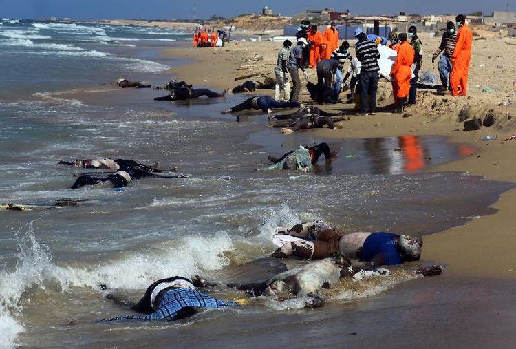 Corps de migrants au large de la Libye