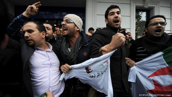 Algérie : Réélection d'Abdelaziz Bouteflika suivie de protestations