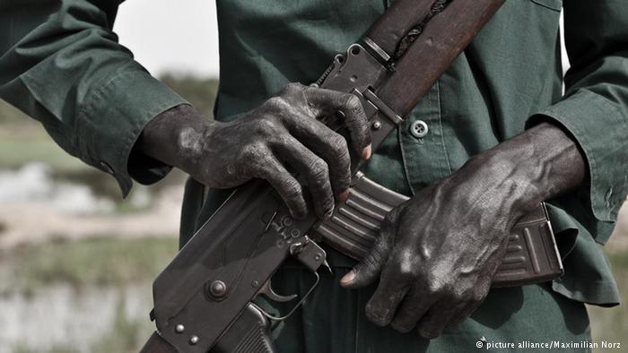 Sud-Soudan : Requête de HRW d'un embargo sur les armes.